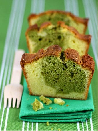 white chocolate matcha marbled cake