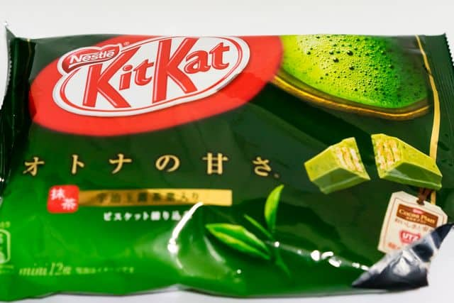 Bag with 12 matcha green tea kit kats