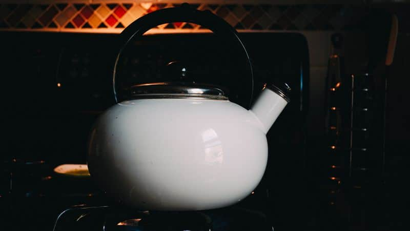 using kettle on stove
