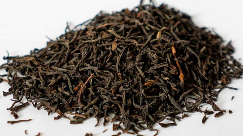 Ceylon black tea leaves