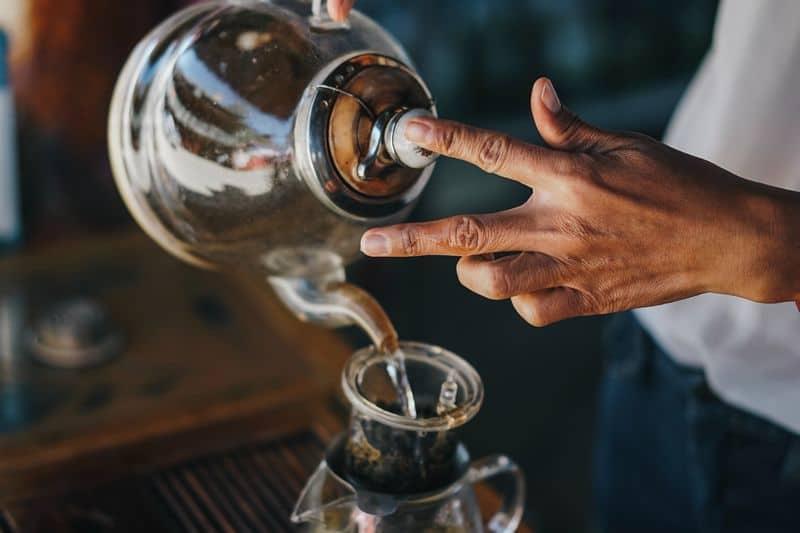 a clean glass kettle