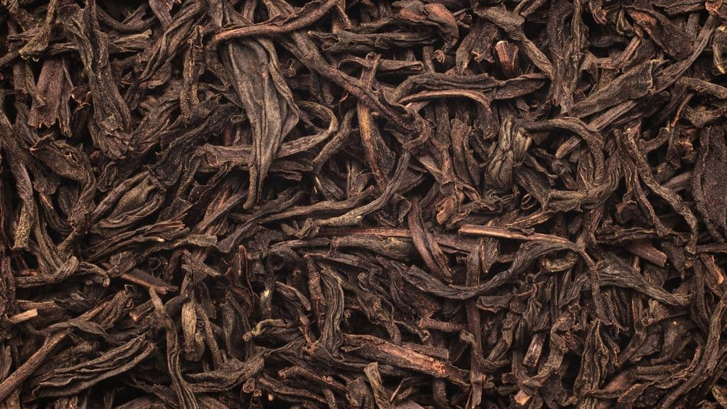 Black tea leaves with tannins
