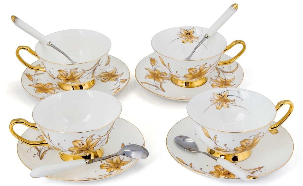Kendal teacups with saucers and spoons