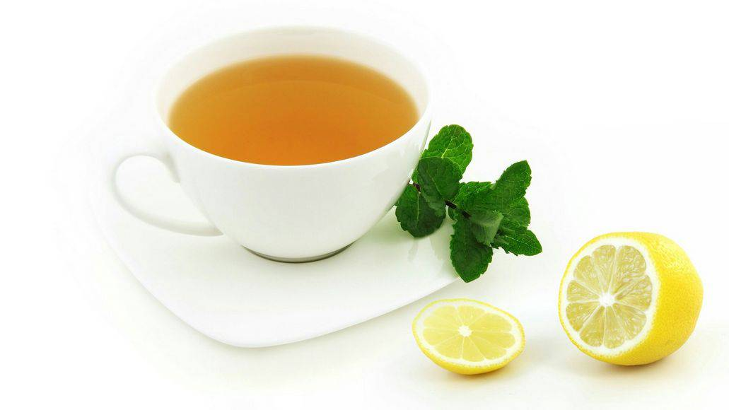 Hot lemon mint tea